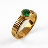 7-3063_ring_gold_green_emerald