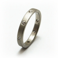 7-1006_ring_gold_diamond_band