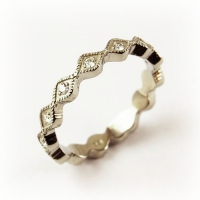 7-1040_ring_gold_diamond_band