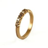 7-1051_ring_gold_diamond_band