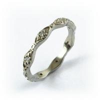 7-1081_ring_gold_diamond_band