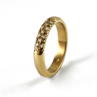 7-1094_ring_gold_diamond_band