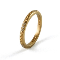 7-1115_ring_gold_diamond_band
