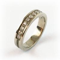 7-3068_ring_gold_diamond_band