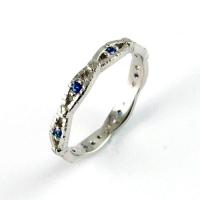 7.1099_ring_gold_sapphire_band