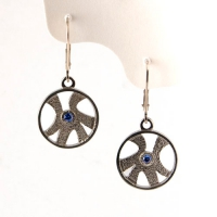 earrings_gold_sapphire_leverback