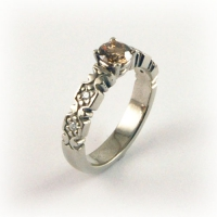 7.3098_Ring_Gold_Champagne_Diamond