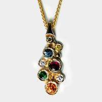 pendant_gold_multisapphire