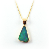 pendant_gold_ethiopian_opal