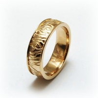7-2024_ring_gold_rivulet_band.jpg