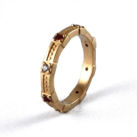 7-1023_ring_gold_diamond_band