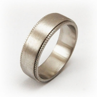 7-2042_ring_gold_milgrain_band