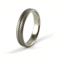7_2092_ring_gold_fern_band