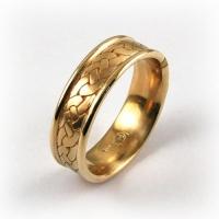 7-2081_ring_gold_gallaecia_band.jpg